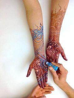 henna tattos,