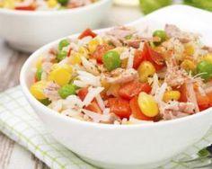 Salade de riz rassasiante aux petits légumes, au thon et au paprika : http://www.fourchette-et-bikini.fr/recettes/recettes-minceur/salade-de-riz-rassasiante-aux-petits-legumes-au-thon-et-au-paprika.html