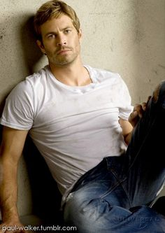 Paul Walker....such a hottie!! The world has lost a rare gem!