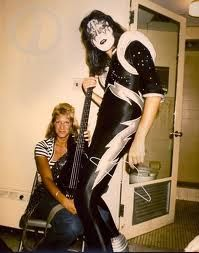 Ace and Jeanette Rock N Roll, Jazz, Eric Carr, Vintage Kiss, Kiss Photo, Band Wallpapers, Kiss Band, Ace Frehley, Rock Of Ages