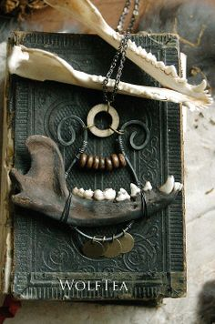 WolfTea creations - Going to be staining some bones soon, Winter herb. Diy And Crafts, Arts And Crafts, Mask Dance, Bone Crafts, Goth Home Decor, Bone Jewelry, Halloween Skull, Gothic Jewelry, Wire Wrapping