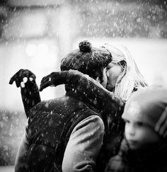 kissing under snow