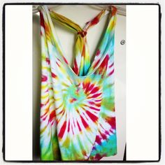 A DIY tie dye shirt ~ when I go to six flags u want to make this