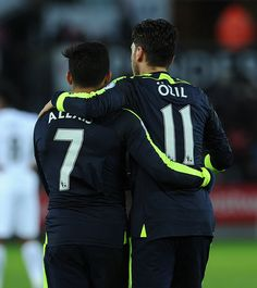 Alexis and Özil.My favorites. Arsenal Fc, Arsenal Football, Football Pictures, Soccer Players, Premier League, Motorcycle Jacket, Fans, Club, Twitter