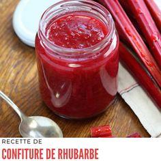 Dans un grand bol, mettez vos morceaux de rhubarbe. #recettedeconfiture #recettederhubarbe #confiturederhubarbe Deserts, Fish, Meat, Vegetables, Grand Bol, Recipes For Rhubarb, Lunch Recipes, Jelly, Kitchens