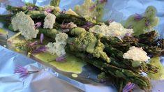 Gjør som kokk Dag Tjersland i Hagen min: Grill asparges og la den velte seg i pesto, parmesan og ramsløksmør.