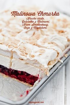 short pastry with raspberry jelly, vanilla cream cheese and almond meringue Sweet Recipes, Cake Recipes, Dessert Recipes, Pavlova, Short Pastry, Delicious Desserts, Yummy Food, Polish Recipes, Cookie Desserts