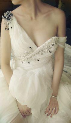 Classicism of the Greek goddess wedding dress Europe and the United States deep V sexy rhinestone silk original design custom-ZZKKO