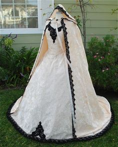 Sleeveless Velvet Fairy Set with Cape Custom.  Love the cape with the lace trim.