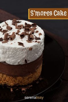 Easy layered s'mores cake recipe for a decadent, homemade sweet treat for the chocolate, marshmallows and campfire lovers. It looks elegant, but it's actually a very simple recipe to make at home. No Bake Desserts, Easy Desserts, Delicious Desserts, Dessert Recipes, Yummy Food, Chocolate Custard, Chocolate Recipes, Homemade Cake Recipes, Baking Recipes