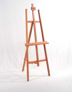 Use of Wooden Easels : Wooden Easels