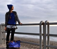 What do you think about electric blue? I love it and I love coordinating accessories! And you? Are you coordinaholic? :)