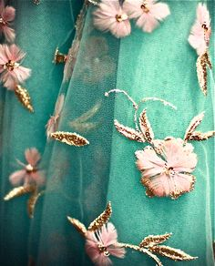 Oscar de la Renta floral dress details--the details!