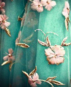 Oscar de la Renta floral dress details--the details!