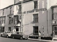 Did Tony Blair once DJ at the Three Tuns in Durham City? Durham England, Durham City, St Johns College, Tony Blair, Uk History, Architecture, Hotels, Heart, Arquitetura