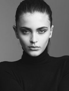 thais-oliveira  represented by Wilhelmina International Inc.