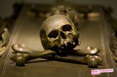 Lovely photos of the tombs of the Hapsburg emperors in Vienna. ¡La muerte os sienta tan bien!: ¿Quién solicita entrar? Cripta Imperial de los Capuchinos, Viena (Austria)