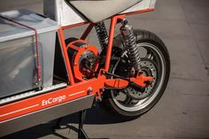 EsCargo - Electric Cargo Motorcycle.  Designed by Oscar Fehlberg. RMIT, Melbourne. Green urban delivery.  15kw swing arm mounted motor.