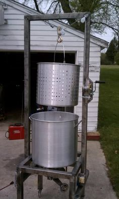 Homebrewing gadgets My Guillotine BIAB Brew Rig! - Home Brew Forums Homebrew Recipes, Beer Recipes, Coffee Recipes, Brew Stand, Beer Brewing Kits, Home Brewing Equipment, Home Brewery, Brew Pub, How To Make Beer