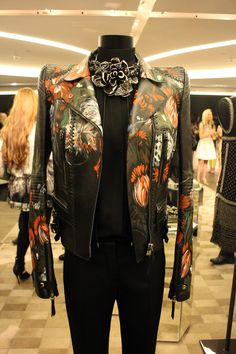 Roberto Cavalli joined us last week for the exclusive launch of the Harrods by Roberto Cavalli collection #RobertoCavalli #jewels #jacket