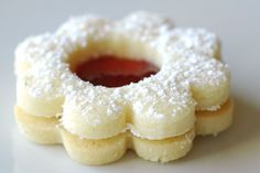 Raspberry Linzer Cookies Recipe and Tutorial