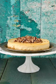 The Best Irish Whiskey and Baileys Cheesecake. So silky and creamy you won't want to serve this just for St. Tips for making the best cheesecake too! Baileys Cheesecake, Best Cheesecake, Cheesecake Recipes, Sweet Desserts, No Bake Desserts, Dessert Recipes, Best Irish Whiskey, Whiskey Cake, Gluten Free Cheesecake