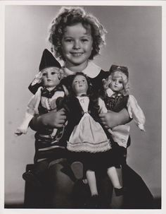 1935 Shirley Temple with dolls from Norway, Finland & Sweden