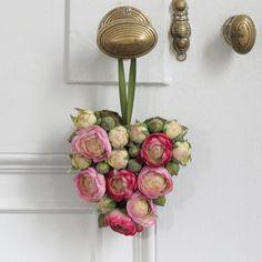 Floral Interludes: Wedding Details