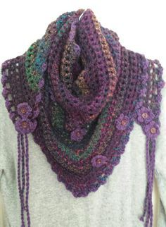 Zooty Owl. Road trip scarf. Crochet.