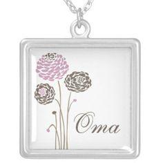 Oma Necklace Stylish Dahlia Flowers