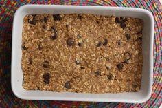 No Bake Oatmeal Bars // 2 c oats, 1/2 c ground flax seed, 1/2 c coconut flakes, 1/4 t salt, 3/4 PB, 1/2 c honey, 1/4 c dark chocolate chips.