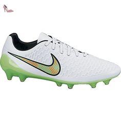 more photos 64c5f c87f1 Nike , Chaussures de foot pour homme UK  Amazon.fr  Chaussures et Sacs