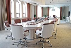 Tau High quality White gloss boardroom tables,desks and matching white gloss boardroom chairs are stylish and impressive additions for your Director's offices Office Cabin Design, Modern Office Design, Office Interior Design, Office Interiors, Interior Decorating, Office Furniture, Furniture Design, Furniture Ideas, Boardroom Chairs