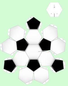 Bouwplaten knutselen: Voetbal 3d Paper, Origami Paper, Paper Toys, Paper Crafts, Soccer Birthday, Soccer Party, Soccer Ball Crafts, Geodesic Sphere, Niklas