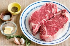 Pan-Seared Steak with garlic butter is seared and caramelized on the outside and juicy inside. It's so easy to make the perfect (steakhouse quality) steak! Steak Dinner Recipes, Beef Steak Recipes, Instant Pot Dinner Recipes, Steak Dinners, Seared Steak Recipe, Pan Seared Steak, Cooking The Best Steak, How To Cook Steak, Cast Iron Steak