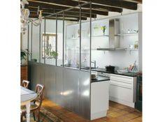 Google Image Result for http://cdn-maison-deco.ladmedia.fr/var/deco/storage/images/maison_travaux/guides-pratiques/idees-deco/5-idees-de-transitions-cuisine-salon/cloisoncuisine3/770452-1-fre-FR/Cloisoncuisine3_w641h478.jpg