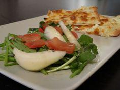 Flammkuchen mit Rucola-Birnen-Tomatensalat - Ein Traum! | SelfConcept of Jay