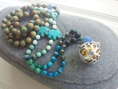 Unique Custom Mala Made Just For You by AngieBeeHotz on Etsy Tell me what stones you love, what colors represent you, and what symbolism speaks to your heart. What Colors Represent, Namaste Yoga, Symbols, Pearls, Trending Outfits, Unique Jewelry, Handmade Gifts, Breathe, Meditation
