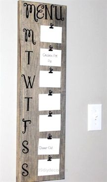 Splendid Shares Save money with these cozy rustic home decor ideas! From furniture to home accents and storage ideas, there are over a hundred projects to choose from. Not only are these DIY ideas are easy on the wallet, they are also easy to make. You can complete most of t ..