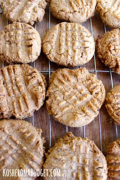 3 Ingredient Peanut Butter Cookies (#GrainFree & #GlutenFree)
