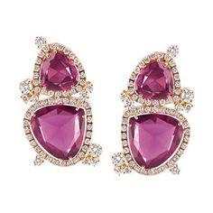 Orecchini in oro rosa, diamanti e tormaline rosse