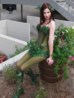 Poison Ivy Cosplay at Dragon*Con 2011 Character: DC Comics Poison Ivy Costume made by myself Hair & Makeup: myself Corset by Timeless Trends Yes, I'. Poison Ivy Cosplay, Poison Ivy Costume Kids, Toddler Halloween Costumes, Diy Costumes, Halloween 2018, Diy Halloween, Halloween Decorations, Dc Cosplay, Cosplay Outfits