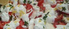 Recept Letní salát s dresinkem ze kysané smetany a bílého jogurtu Caprese Salad, Potato Salad, Potatoes, Ethnic Recipes, Food, Potato, Essen, Meals, Yemek