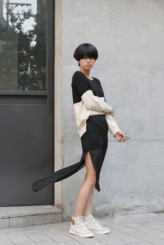 Seoul, Korea June 3, 2012 Huh Kkotbunhong 26 Model Top : ZARA, Skirt : no brand, Shoes : MLB Q. 한마디! A. 라이프스타일을 한마디로 말하자면 '스트라이프'...