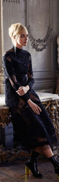 Dior Dior Fashion, Love Fashion, Fashion Design, Glamour, Mode Style, Mannequins, Formal, Dress To Impress, Evening Dresses
