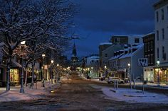looking up Main Street in Annapolis. So pretty with the snow. Z