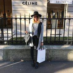 H a p p y  G i r l #outfit #outfitoftheday • Veste #zara • Perfecto #sandro • Teeshirt #apc • Jean #zara • Chapeau #maisonmichel • Boots #jensen #acne • Sac #belt #celine  Le sac tant désiré, auto cadeau de Noël ❤️