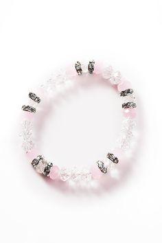 Rannekorussa vaaleanpunaisia ja kirkkaita lasihelmiä sekä kirkkaita lasikivia. Jokaisesta myydystä Roosa nauha -tuotteesta Cailap lahjoittaa 10% tuotteen ovh:sta Syöpäsäätiön Roosa nauha -rahastoon. Ribbon, Beaded Bracelets, Pink, Jewelry, Tape, Jewlery, Jewerly, Band, Pearl Bracelets