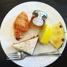#långvik #breakfast #aamupala #herkkuja #porkkanakakku #minicroissant #päiväkäyntiin #viimeinenlomaaamu #langvikhotel  http://www.langvik.fi/