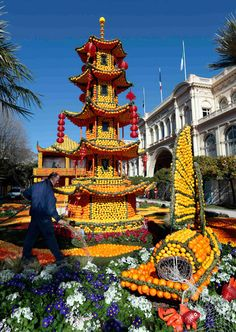 Fête du Citron: the lemon festival in Menton.  Yearly festival in France.  This whole town does it up in oranges and lemons.  Very creative and whimsy.